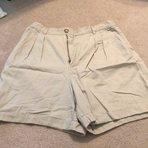 Adorable Old Navy khaki shorts